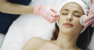 Treat Yourself To A Spa Experience: 6 Simple Ways To Pamper Yourself For The Holidays